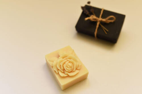 Sapun model floral, ambalaj cadou